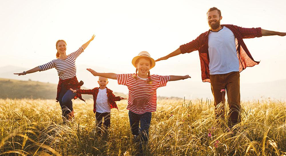 Umweltfreundliche Familien heizen mit Wärmepumpen